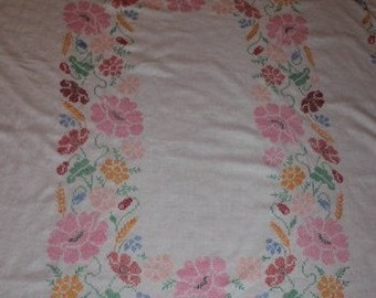 Embroidered Tablecloth, Bright Tablecloth, Flowers, 48 x 65 Tablecloth, Tablecloth, Table Cloth, Flowers