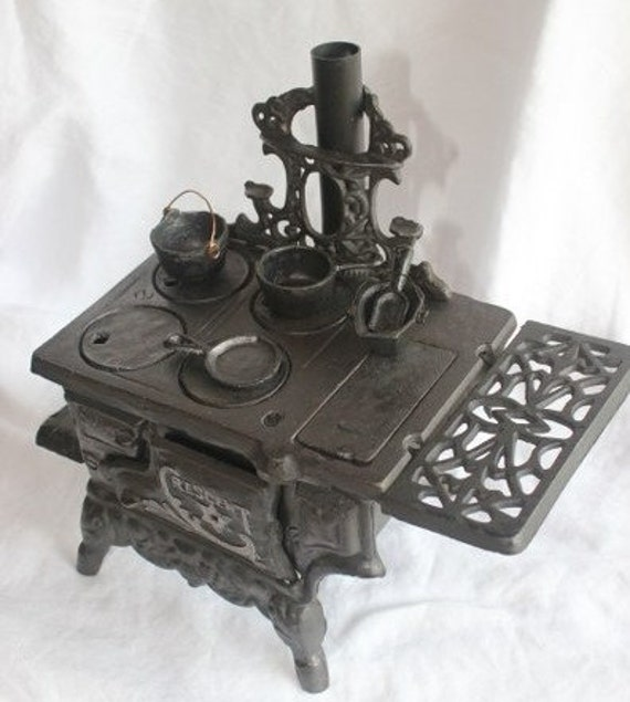 Crescent Child S Cast Iron Stove Salesman Sample Stove By