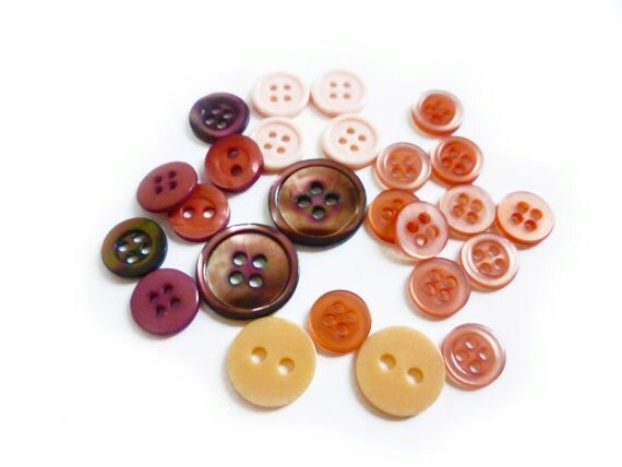 Vintage Pink Lots of Buttons, Red, Pink, Burgundy, Cinnamon Buttons (25 pcs)