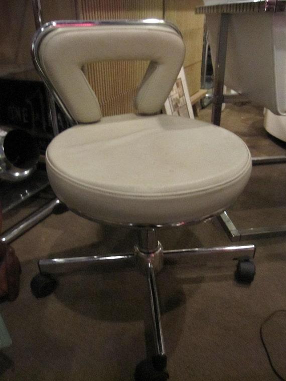 Vanity stool on casters - Bathroom vanity chair with casters ...