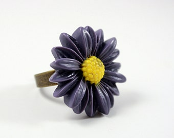 Adjustable Flower Daisy Ring / purple  with yellow center / Adjustable Brass Ring