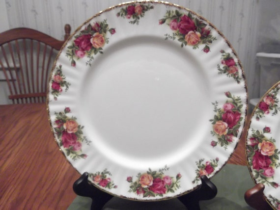 "1962 Royal Albert 61/4""D B&B Plate called Old Country Roses  -DR"