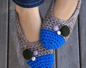 Women's Crochet Slippers in Blue & Beige, House Slippers with Vintage Buttons, Ballet Shoes, Slipper Socks, Flats