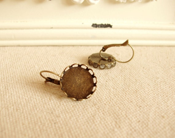 30pcs(15pairs)  Antiqued Bronze Color French Earrings Hooks with 14mm Lace Edge Settings