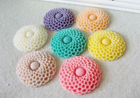14 pcs 35mm Dahlia  Resin Flower Cabochon Cameo Covers  Mixed Colors