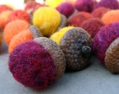 Felt Acorns in Fall colors- quantity 20 - Thanksgiving fall table, wedding favors, autumn bounty, from nature, ecofriendly