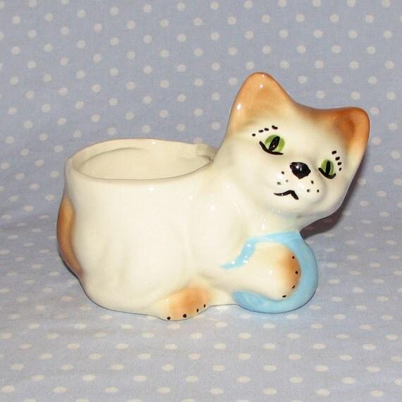 Vintage Cat Kitten Ball of Yarn Planter White