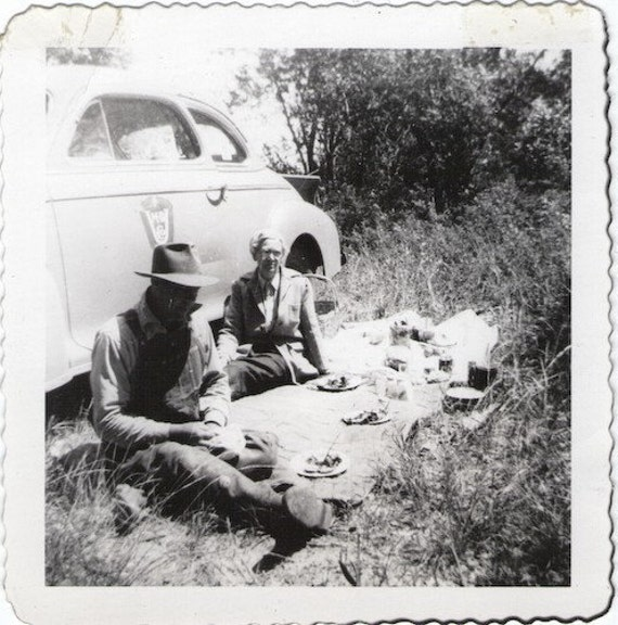 "S A L E - Vintage Photo ""In Love, Picnic Love"", Photography, Paper Ephemera, Snapshot, Old Photo, Collectibles"