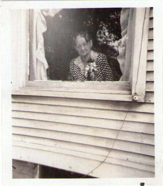 "Vintage Photo ""Peek a Boo"", Photography, Paper Ephemera, Snapshot, Old Photo, Collectibles"