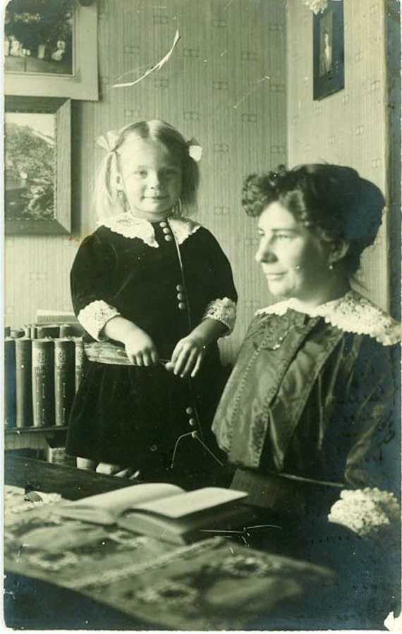 """Vintage Photo Postcard """"Mother and Daughter"""", Photography, Paper Ephemera, Snapshot, Old Photo, Collectibles - FL004"""