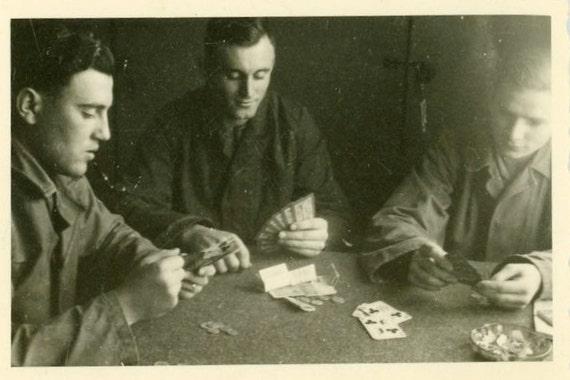 "Vintage Photo ""Playing Poker"", Photography, Paper Ephemera, Snapshot, Old Photo, Collectibles - JG008"