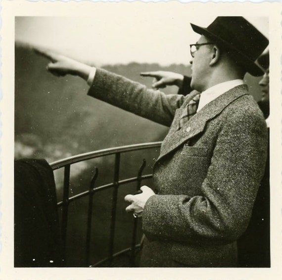 "Vintage Photo ""Sightseeing"", Photography, Paper Ephemera, Snapshot, Old Photo, Collectibles - JG009"