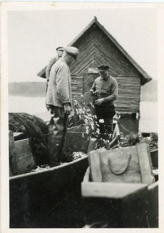 "Vintage Photo ""Day of Fishing"", Photography, Paper Ephemera, Snapshot, Old Photo, Collectibles - JG011"