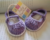 Baby girl shoes:  crochet purple ballerina with sweet heart button - 100% cotton
