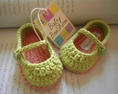 Baby girl shoes: crochet ballerina green with sweet heart button - 100% cotton