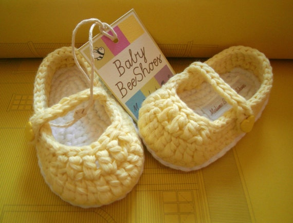 Baby girl shoes: crochet ballerina yellow with sweet heart button - 100% cotton