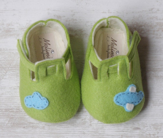 Baby felt shoes, Green booties and slippers for your baby, lucky green shoes