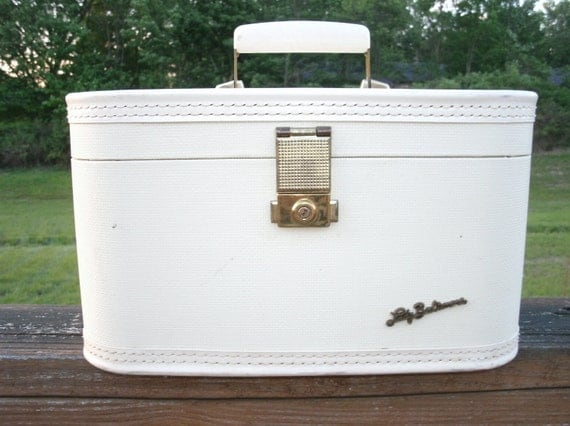 Vintage White Lady Baltimore Train Case Carry On Brass Hardware