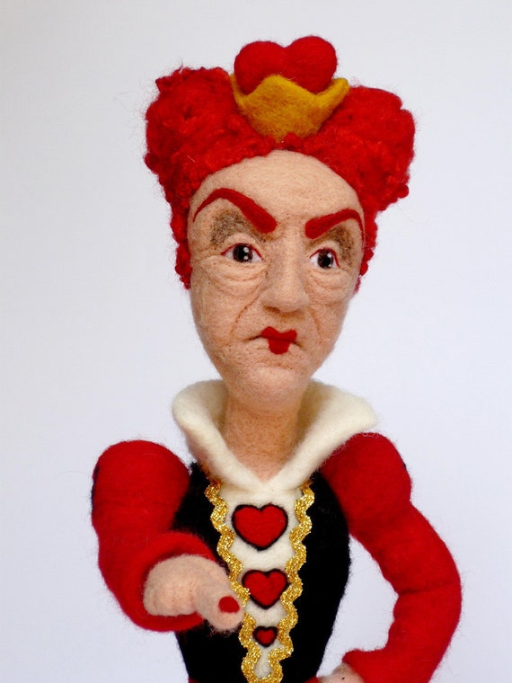 Sold / 1st installment / OOAK needle felted Queen of Hearts /