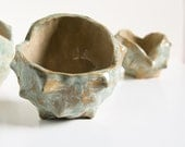 CHESTNUT BOWL, medium size stoneware sculptural dish, cedar green and beige, handbuilt pottery by karoArt ceramics, Ireland