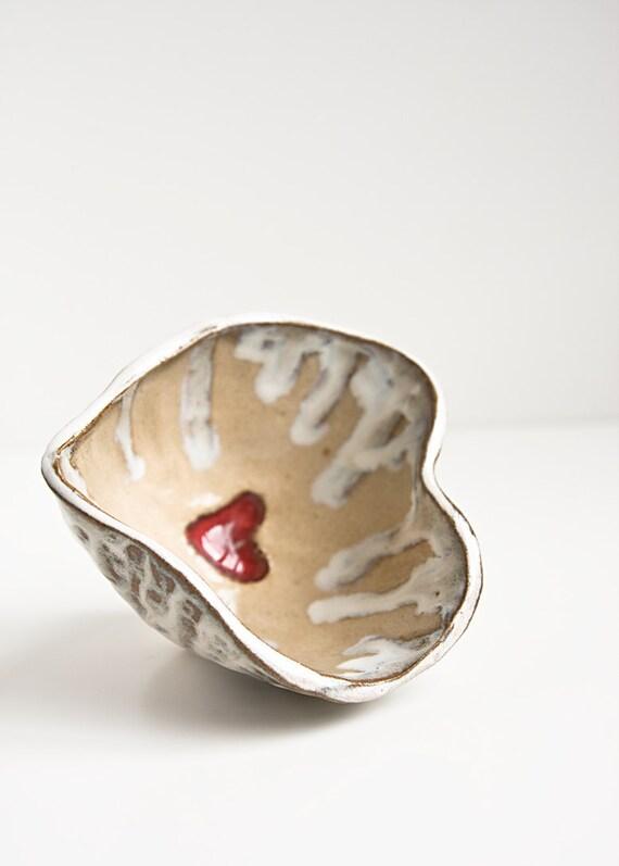 Stoneware Herat Bowl, trinket dish, ring katcher, decorative ceramic dish, rustic, white, beige and red, handmade pinch bowl