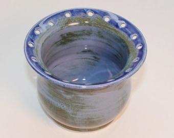 Porcelain Earring Cup in Mottled Blue