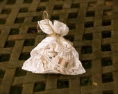 Lace wedding favor  or gift bags