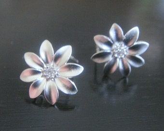 Wholesale Mini Sterling Crystal daisy Flower Earring Post Findings, setting, connector, 2 pc