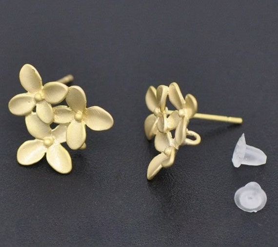 Matte Gold Plated Mini Flowers Earring Post W/Stoppers, 1 pair/2pc, K12325