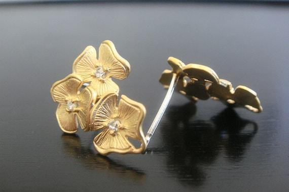 Gold Clear Crystal Triple Flower Earrings 925 Sterling Silver post, 2 pc, K95971