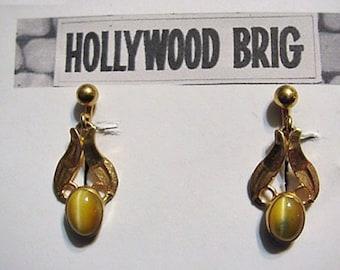Vintage New Old Stock Van Dell Gold Filled Cat's Eye Screwback Earrings