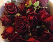 Set of 15 Dark Red Dried Roses Heads - Natural Color - Deep Red - Herbs for Spells - Buds - Roses for Luck, Love, Romance