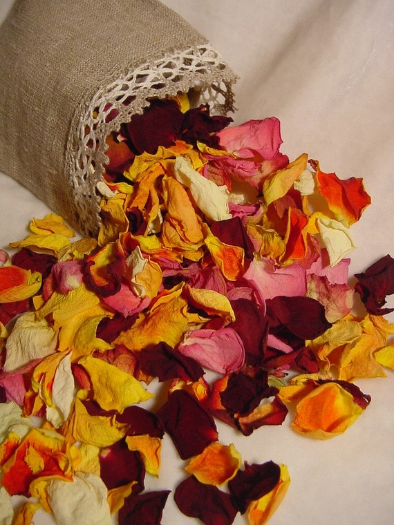 0,5 oz ROSE PETALS pretty hand dried petals, no bits and pieces, great for crafts, potpourri, spells and pretty for wedding flower girls