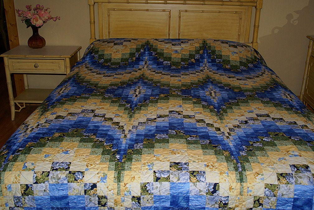 Queen Size Blue And Yellow Bargello Quilt