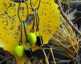 Earrings  lime green / Gun metal