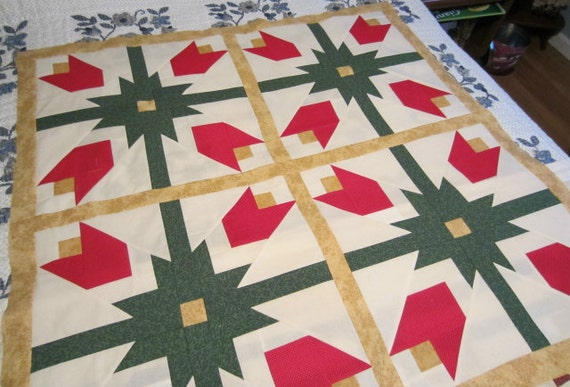 Tulips Quilt Top, Wall Hanging, Lap Quilt, Throw, 42 x 42