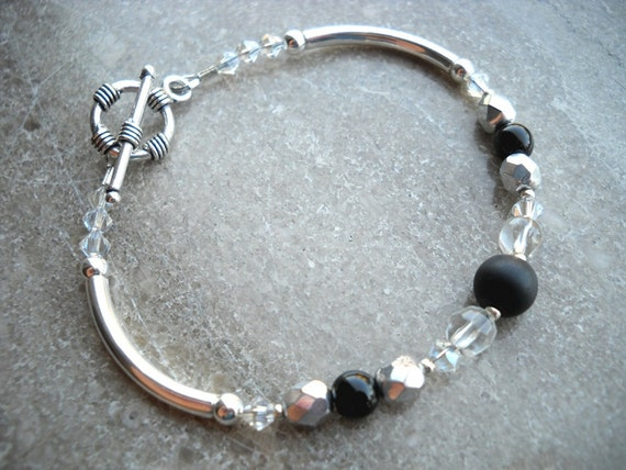 Watcher on the Walls: Game of Thrones Black and Crystal Beaded Bracelet in Silver - FREE SHIPPING Cyber Monday
