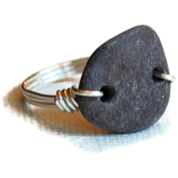 Unisex Beach Stone Ring, plum gray