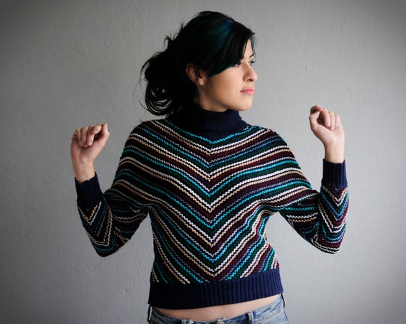 70s sweater: Chevron knit stripes, batwing, turtle neck, navy blue, small size, mexican vintage.