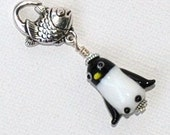 Penguin zipper pull / Jean jewelry  / keychain