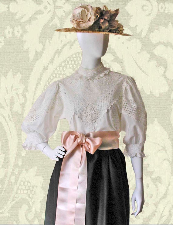 Vintage Victorian or Edwardian Style Pieceworked Lace Blouse in White Cotton Lawn European Size 44