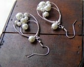 White wire wrapped jewelry handmade, pearl earrings, wire wrapped earrings bridal, bridesmaid