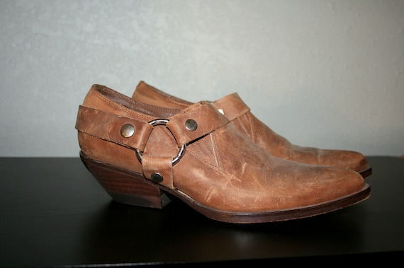 80s GUESS harness biker ankle boots in size 5.5 FREE SHIPPING