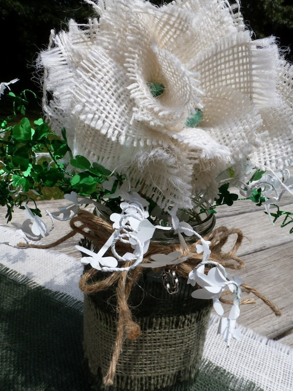 CELTIC WEDDING CENTERPIECES RuSTiC MaSoN/BaLL JAr KiTs, BuRLaP, Twine, Wired Shamrocks, Charm