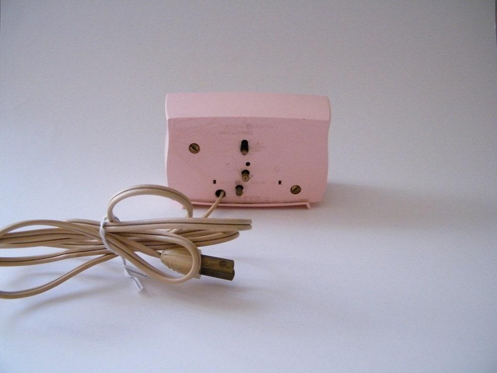 Vintage 1950s Pink General Electric Alarm Clock Model 7267k In