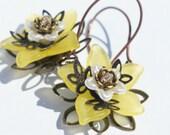 Yellow Earrings Flower Beaded Earrings Spring Earrings Yellow lily Flower Earrings