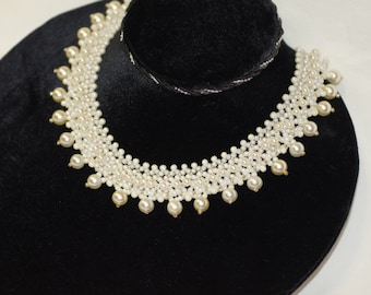 Bead weaving Pearl Necklace. Choker White and Cream Necklace. Bridal Bride.
