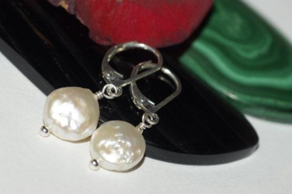 White Pearl  Earrings. White Freshwater Pearl Earrings. Silver Drop Pearls Earrings. Bridal Bride