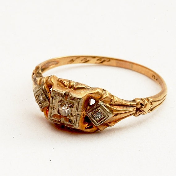 Vintage Diamond Engagement Ring Estate 10K yellow gold SIZE 7.25 (V114)
