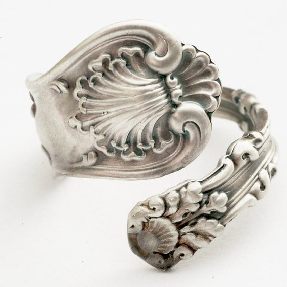 Small Spoon Ring in Victorian Seashell Pattern, Sterling Silver, Made in YOUR Size (1056)